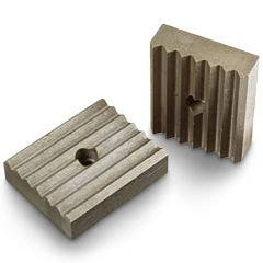 106068-ridgid-bench-yoke-vise-lower-jaw-for-27-40660-HERO_main